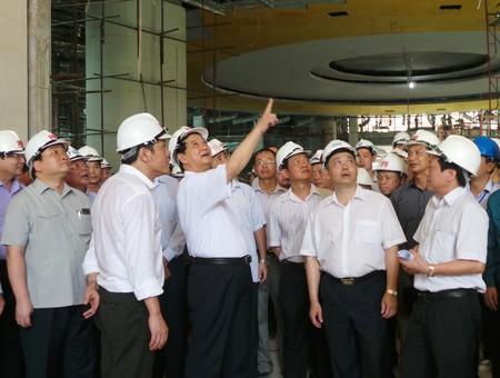 PM inspects NA building project progress  - ảnh 1