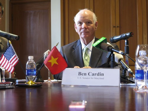 US Senator Benjamin Cardin: China's acts threaten the whole region's maritime safety and security    - ảnh 1