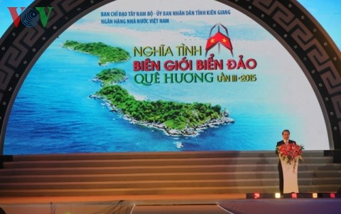 Art performance on homeland's sea and islands in Kien Giang province - ảnh 1