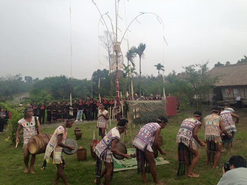 Cultural activities to welcome IPU 132 - ảnh 1