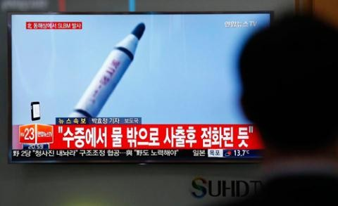 Pyongyang tests ballistic missile from submarine - ảnh 1