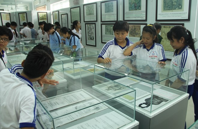 Hoang Sa, Truong Sa exhibition opens in Long An - ảnh 1