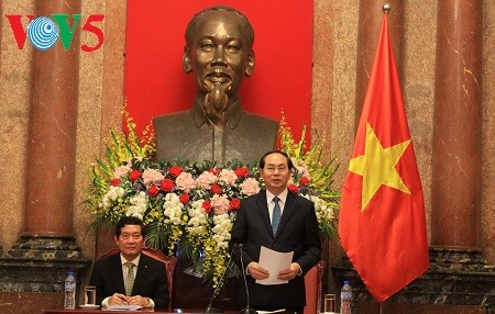 President urges for greater effort to narrow development gap between regions  - ảnh 1