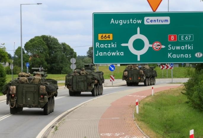 NATO conducts large-scale defensive drill in Baltic - ảnh 1