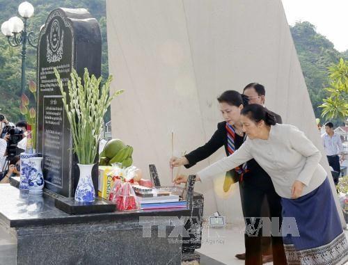 Vietnam, Lao legislative leaders commemorate Tay Tien Regiment - ảnh 1