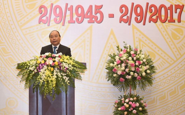 PM pledges to join global effort for world without war, poverty - ảnh 1