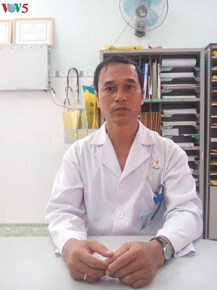 Dedicated physician saves thousands of lives - ảnh 1