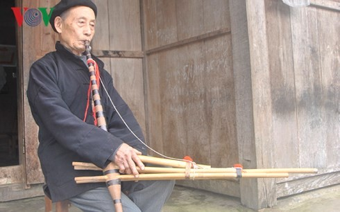 Mong artist helps revive traditional pan-pipes - ảnh 1
