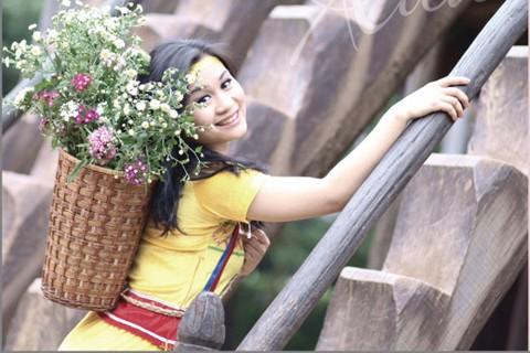"""Đào Tố Loan, Quán quân Sao Mai 2011 ra mắt Album đầu tay """" Nụ cười Xuân"""" - ảnh 1"""