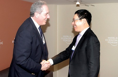 Phó Thủ tướng Phạm Bình Minh tiếp xúc song phương bên lề WEF  - ảnh 1