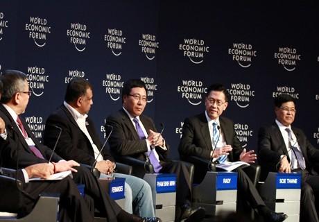 Phó Thủ tướng Phạm Bình Minh tham dự những phiên họp quan trọng của WEF 2015 - ảnh 1