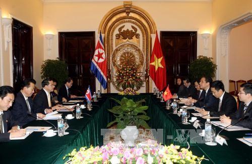 Trao đổi chính sách cấp Thứ trưởng Ngoại giao Việt Nam-CHDCND Triều Tiên - ảnh 1
