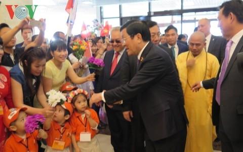 Chủ tịch nước Trương Tấn Sang  gặp mặt cộng đồng người Việt tại Nga - ảnh 1