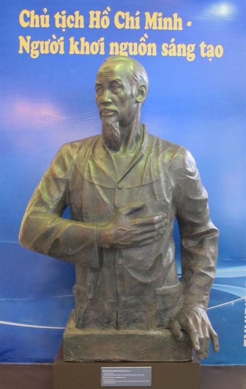 Nhiều hoạt động kỷ niệm 125 năm ngày sinh Chủ tịch Hồ Chí Minh - ảnh 2