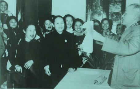 Tư tưởng Hồ Chí Minh về công tác cán bộ - ảnh 1
