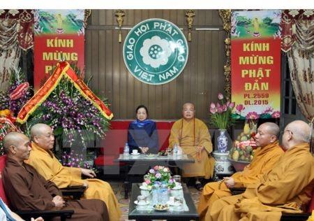Trưởng Ban Dân vận Trung ương Hà Thị Khiết chúc mừng Giáo hội Phật giáo Việt Nam mùa Phật đản 2015  - ảnh 1