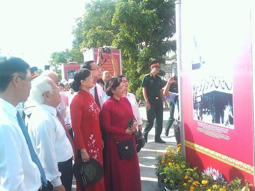 """Triển lãm """"70 năm vang mãi hào khí Cách mạng tháng Tám và Quốc khánh 2/9"""" tại TP Hồ Chí Minh - ảnh 1"""