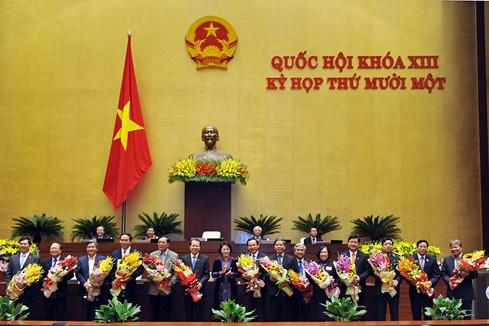 Quốc hội thông qua Nghị quyết phê chuẩn đề nghị miễn nhiệm 20 thành viên Chính phủ - ảnh 1