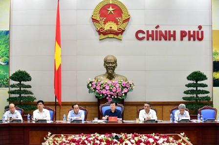Phó Thủ tướng Trịnh Đình Dũng chủ trì cuộc họp Ban chỉ đạo NN về các dự án giao thông trọng điểm - ảnh 1