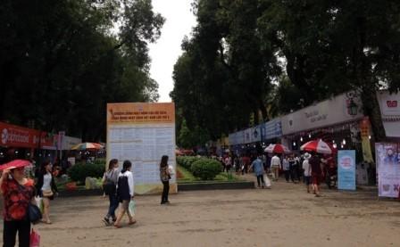 Các hoạt động hưởng ứng Ngày Sách Việt Nam và Ngày Sách và Bản quyền thế giới - ảnh 1