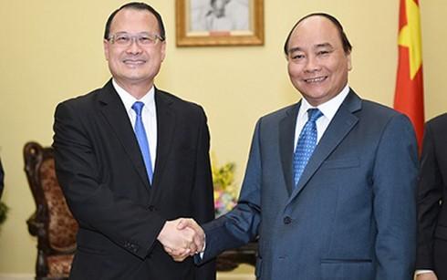 Thủ tướng Nguyễn Xuân Phúc tiếp Chủ tịch Tập đoàn Sunwah, Hong Kong (Trung Quốc)  - ảnh 1