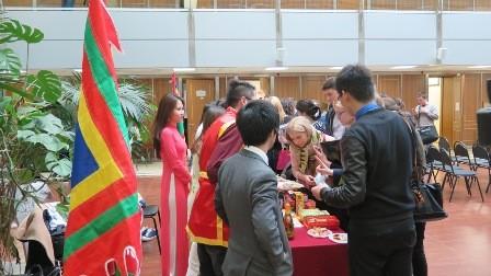 Lễ hội Hùng Vương với sinh viên Việt Nam và Nga tại Học viện Ngoại Giao Quốc gia Moskva - ảnh 8