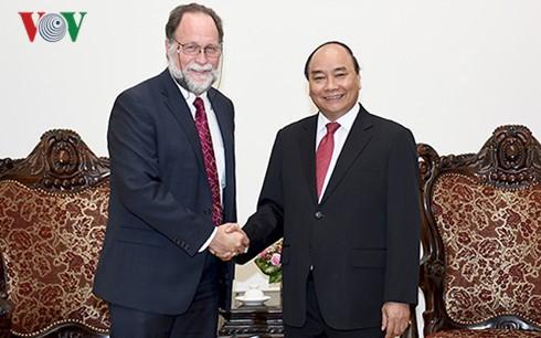 Thủ tướng Nguyễn Xuân Phúc tiếp Giám đốc Trung tâm phát triển Quốc tế của Đại học Havard  - ảnh 1