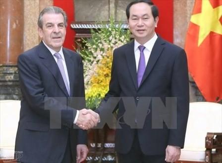 Cựu Tổng thống Chile Eduardo Frei Ruiz-Tagle thăm Việt Nam - ảnh 1
