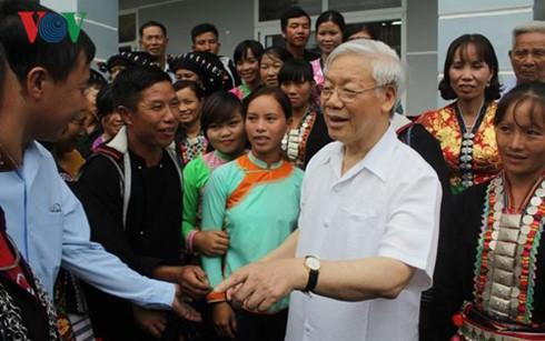 Tổng Bí thư Nguyễn Phú Trọng thăm và làm việc tại tỉnh Lai Châu  - ảnh 2
