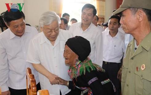 Tổng Bí thư Nguyễn Phú Trọng thăm và làm việc tại tỉnh Lai Châu  - ảnh 3