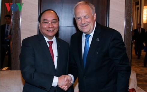 Thủ tướng Nguyễn Xuân Phúc tiếp xúc song phương bên lề Hội nghị Cấp cao ASEM 11  - ảnh 1