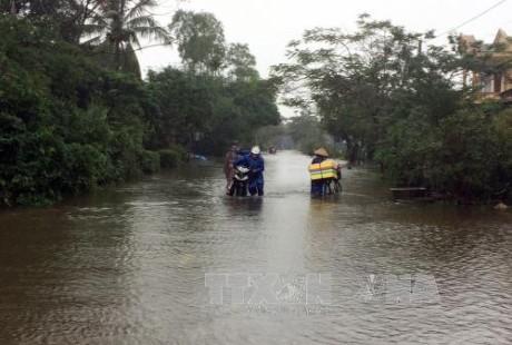 Mặt trận Tổ quốc Việt Nam hỗ trợ các tỉnh miền Trung bị thiệt hại do mưa lũ  - ảnh 1