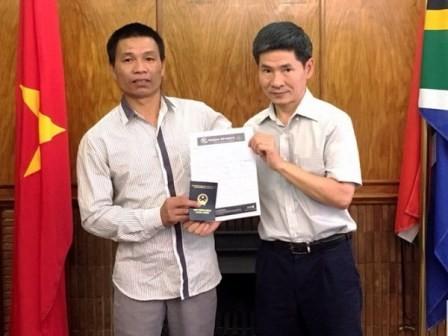 Đại sứ quán Việt Nam tại Nam Phi hỗ trợ người Việt Nam gặp nạn  - ảnh 1