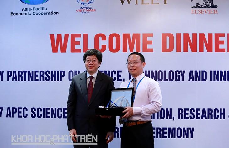 Trao Giải thưởng Khoa học APEC về Đổi mới, Nghiên cứu và Giáo dục (ASPIRE 2017)  - ảnh 1