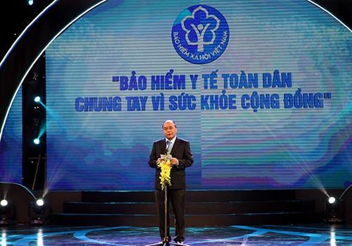 Thủ tướng Nguyễn Xuân Phúc:Phấn đấu đạt mục tiêu đến năm 2020 trên 90% dân số tham gia bảo hiểm y tế - ảnh 1
