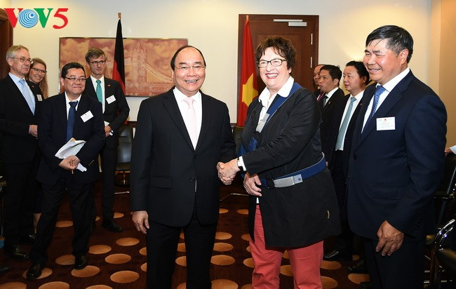 Thủ tướng Nguyễn Xuân Phúc tiếp Bộ trưởng Kinh tế và Năng lượng Liên bang Đức - ảnh 1