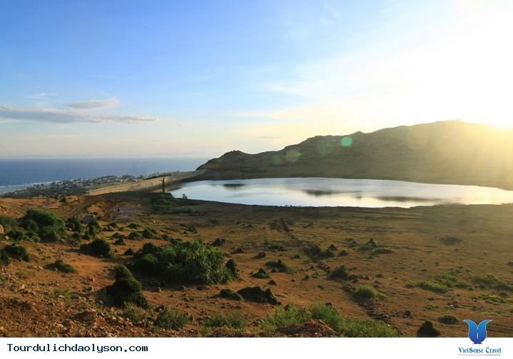 Vẻ đẹp núi Thới Lới  trên đảo Lý Sơn - ảnh 2