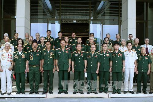 Phó Chủ tịch Quốc hội Đỗ Bá Tỵ gặp mặt Hội Truyền thống bộ đội Trường Sơn  - ảnh 1