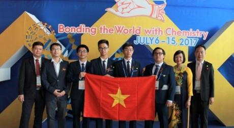 Việt Nam đạt thành tích cao nhất từ trước đến nay tại Olympic Hóa học quốc tế năm  2017 - ảnh 1