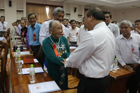 Thủ tướng dự Hội nghị biểu dương người có công với cách mạng tiêu biểu tỉnh Quảng Nam - ảnh 2