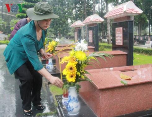 Trưng bày 21 phiến đá Trường Sa, ghi nhớ công ơn của các chiến sỹ đã ngã xuống để bảo vệ chủ quyền - ảnh 1