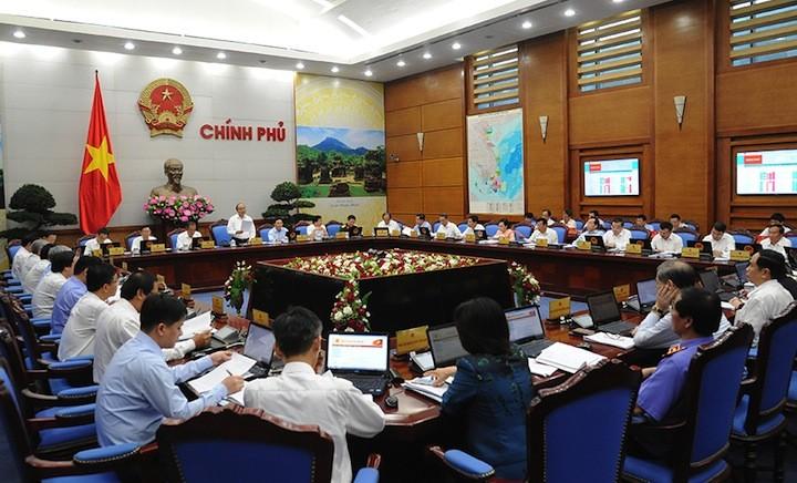 Thủ tướng Nguyễn Xuân Phúc:  Tiếp tục tháo gỡ khó khăn, thúc đẩy sản xuất kinh doanh  - ảnh 1