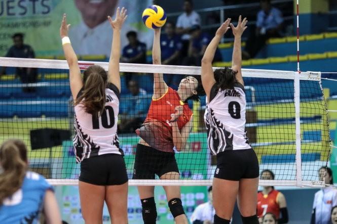 Tuyển bóng chuyền nữ Việt Nam giành vé vào tứ kết giải vô địch Châu Á - ảnh 1