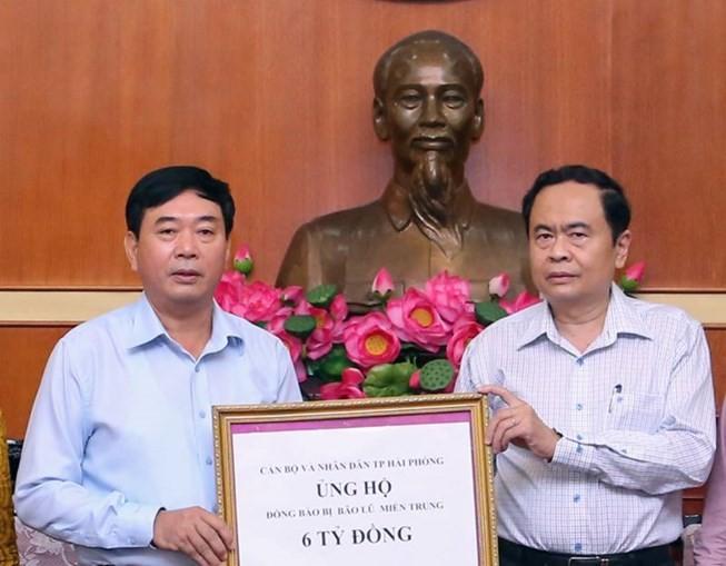 Ủy ban Trung ương MTTQ Việt Nam tiếp nhận ủng hộ thiệt hại do bão Doksuri - ảnh 1