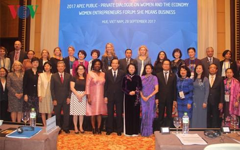 Khai mạc Hội nghị Đối thoại Công- Tư về Phụ nữ và Kinh tế  - ảnh 1