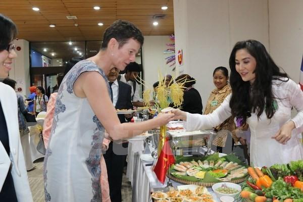 Hội chợ ẩm thực ASEAN, cầu nối văn hóa giúp tăng cường sự đoàn kết - ảnh 1