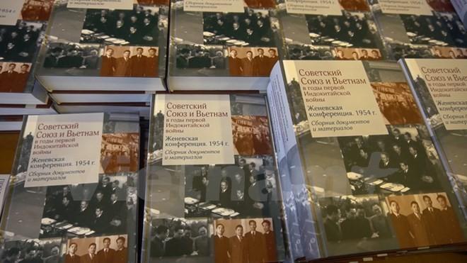 """Nga ra mắt cuốn sách """"Liên Xô và Việt Nam trong cuộc chiến tranh Đông Dương lần thứ nhất"""" - ảnh 1"""