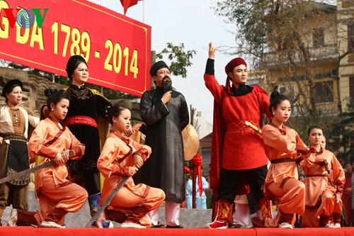 เทศกาลเนินโด๊งดาในกรุงฮานอย - ảnh 13