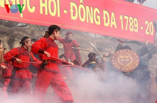 เทศกาลเนินโด๊งดาในกรุงฮานอย - ảnh 16