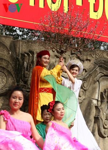 เทศกาลเนินโด๊งดาในกรุงฮานอย - ảnh 17